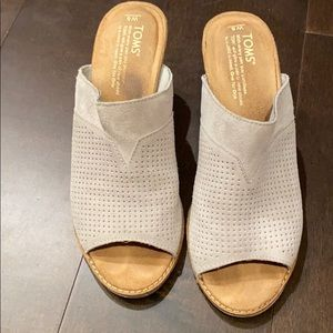 TOMS slides/mules with heels